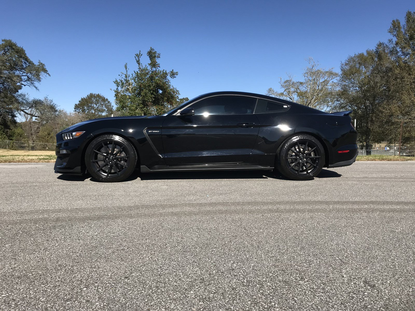 Pre-Owned 2017 Ford Mustang Shelby GT350